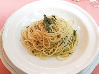 ニンニクと赤唐辛子のスパゲッティ