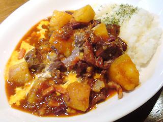 牛ほほ肉の激辛煮ライス