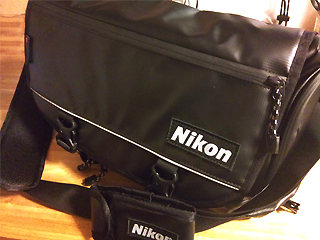 Nikon x MILLET アクティブメッセンジャーバッグ